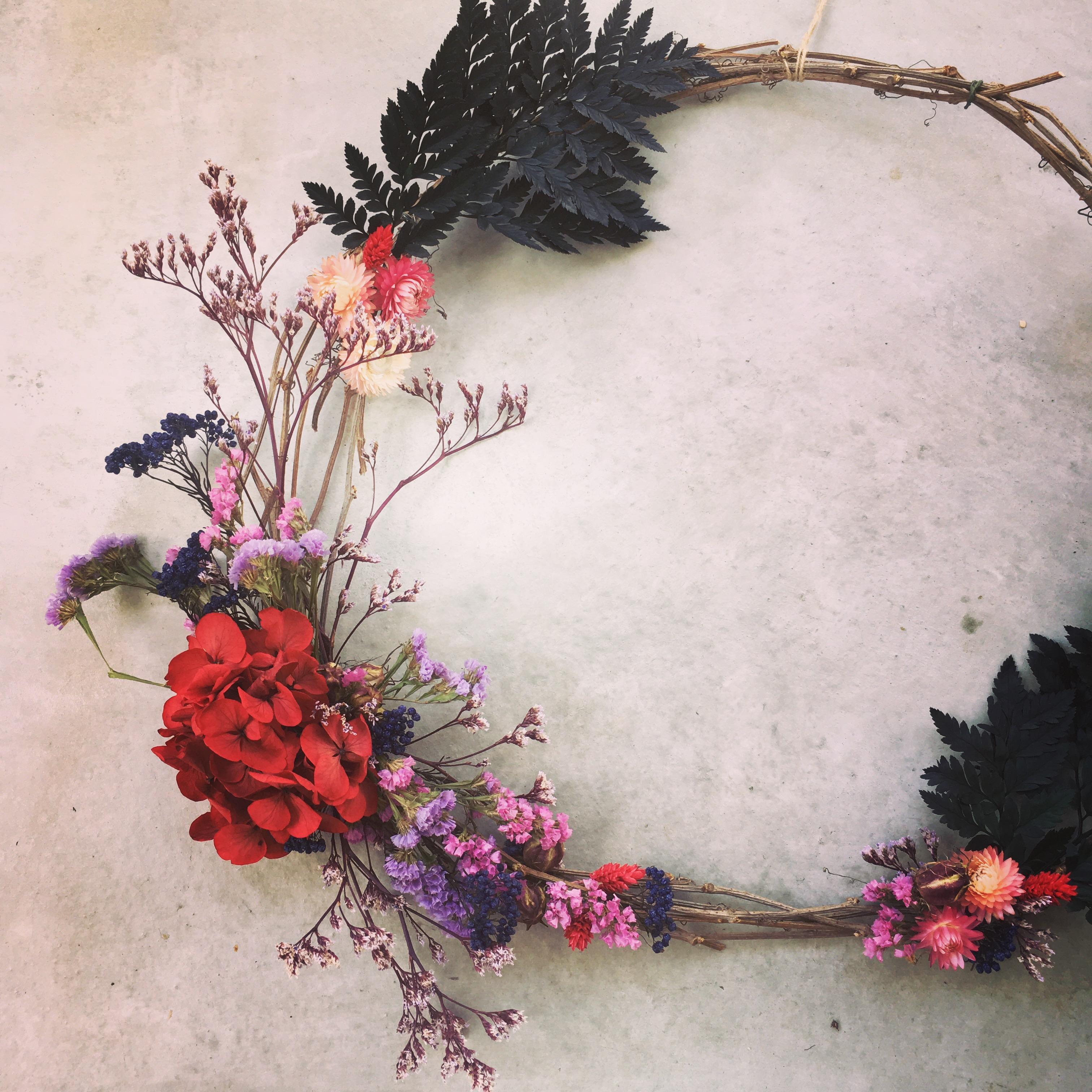 couronne fleurs séchées et stabilisées